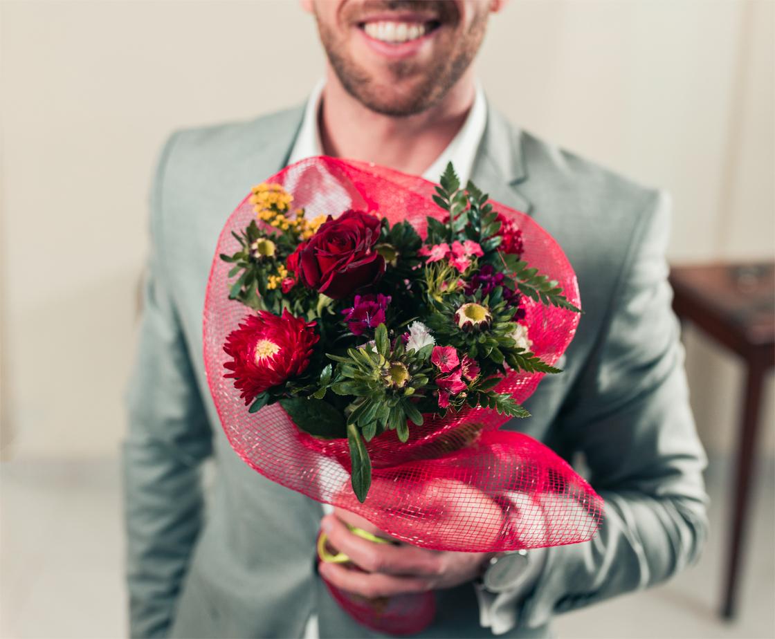 mazzo di fiori gentleman sorriso