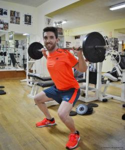 come allenare le gambe squat palestra